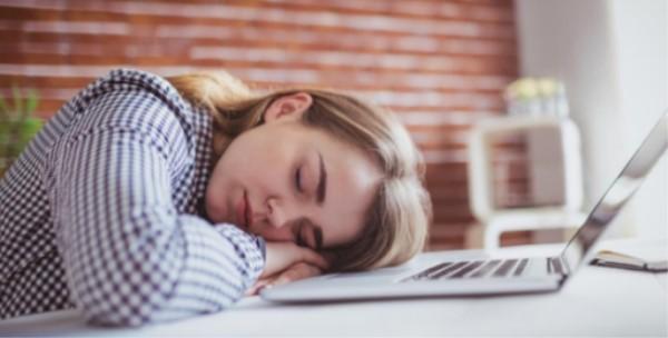 为什么在电脑前坐一整天会那么累?