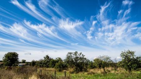 你知道怎样看云识天气吗?的头图